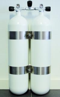 Polaris 2x12 Liter lang Doppelgerät mit DIN Ventilsatz & V4 Tec-Schellen 230 bar 14 mm. konkaver Boden